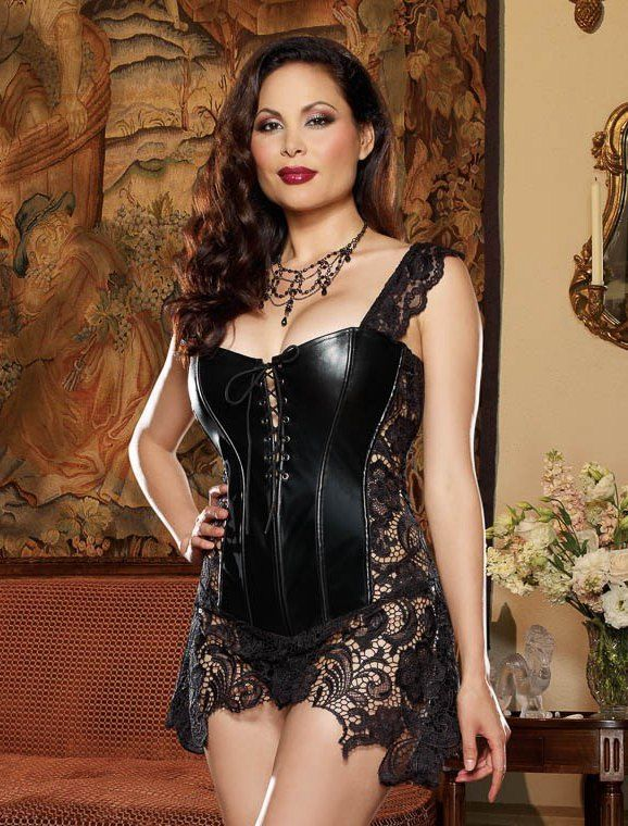 Our plus size corsets come in a whole range of great designs and styles from elegant overbust corsets in satin, to underbust corsets with Victoriana-inspired brocade. Colors range from the dark and mysterious one-block shades of midnight black, to the eye-catching cerise pinks and floral-patterned corsets.